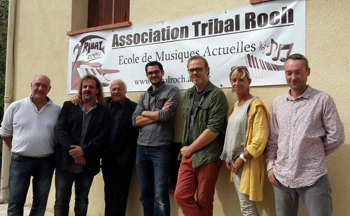 staff-tribal-inauguration-ecole